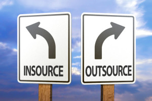 insource-vs-outsource-seo